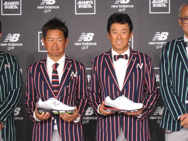 スニーカーファン必見!ニューバランスが日本のゴルフ界に参入 オシャレの師匠でもある芹澤プロ(右)に着いていく藤田プロ(左)