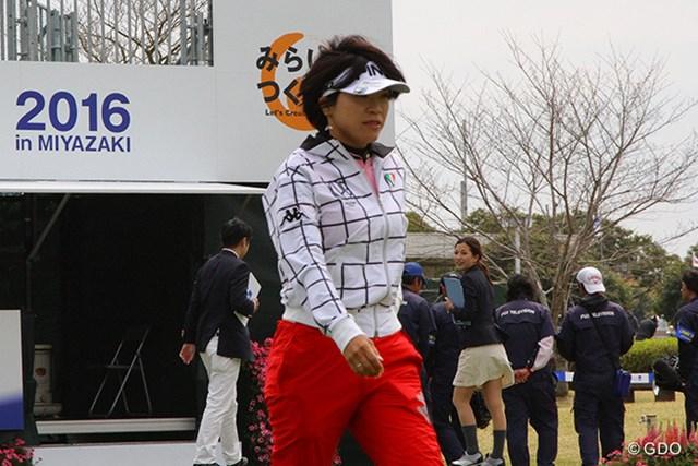 2016年 アクサレディスゴルフトーナメント in MIYAZAKI 事前 大山志保 「ショットは凄くいい」と手ごたえを口にする大山志保が地元の大ギャラリーの前で活躍を誓う