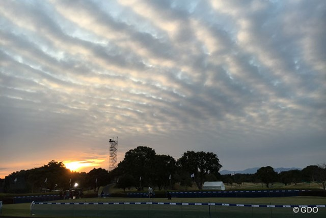2016年 アクサレディスゴルフトーナメント in MIYAZAKI 初日 夕暮れ 面白い雲だったので「パシャ」