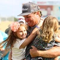 「パパ?勝った?私たちハワイに行けるかしら?」と愛娘からいつも言われていたそう。これで年明けのカパルア行きが決定です! 2016年 バレロテキサスオープン 最終日 チャーリー・ホフマン