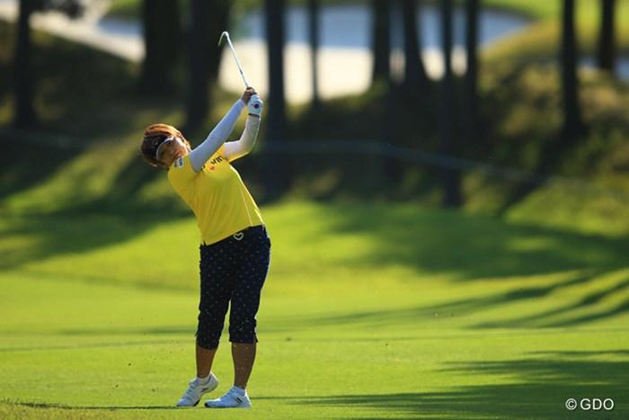 初優勝に王手をかけた福嶋浩子。あすは初の最終日最終組でプレーする。 2016年 サイバーエージェント レディスゴルフトーナメント 2日目 福嶋浩子
