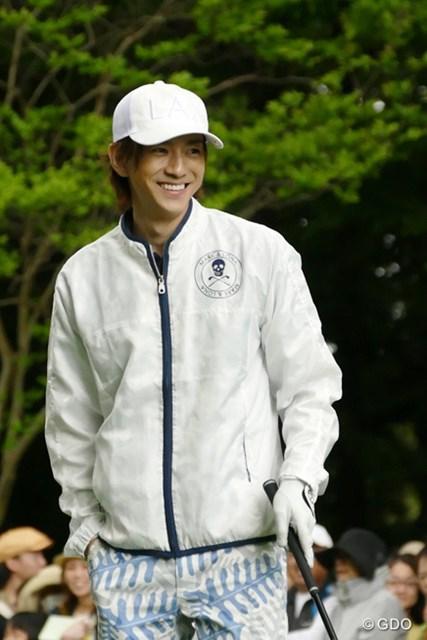2016年 ザ・レジェンド・チャリティプロアマトーナメント 初日 三浦翔平さん この笑顔を見たくて、多くのギャラリーが黄色い声援を送っていました