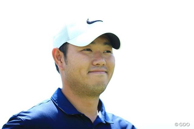 「ティショットからのマネジメントを心掛けた」という薗田峻輔。3アンダー5位で発進した