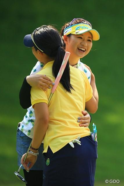 2016年 中京テレビ・ブリヂストンレディスオープン 初日 川満陽香理 最終ホールも長いバーディパットを決めて、ノーボギーのナイスラウンドでしたね。5アンダー2位タイ。