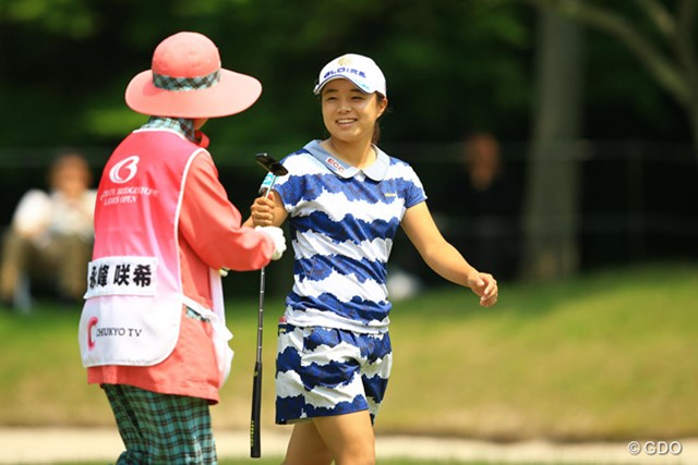2016年 中京テレビ・ブリヂストンレディスオープン 初日 永峰咲希 永峰咲希は出だしの悪い流れを断ち切り、上位発進に笑顔を見せた
