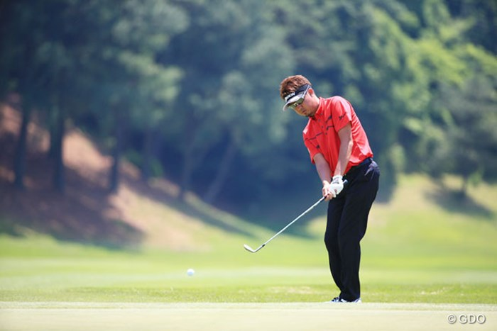 低く打ち出したね 2016年 関西オープンゴルフ選手権競技 2日目 星野英正