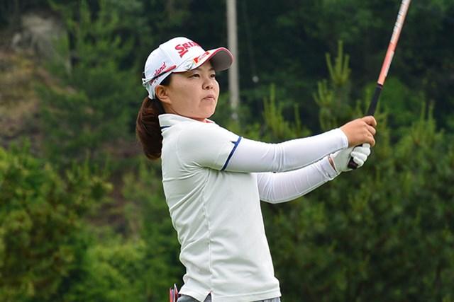 井芹美保子が首位でスタート。あす最終日にツアー初優勝を狙う(※大会提供)