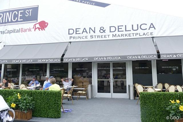 2016年 ディーン&デルーカ招待 事前 ショップ クラブハウス前にオープンした特設ショップ。オシャレな雰囲気を醸し出しています