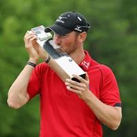 クリス・ウッドが逆転優勝。母国でカップを掲げた(Richard Heathcote/Getty Images) 2016年 BMW PGA選手権 最終日 クリス・ウッド