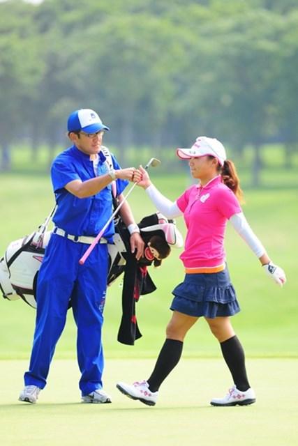 2009年 アクサレディスゴルフトーナメント初日 有村智恵 15番から3連続バーディで一気に4アンダー。5位タイで初日を終えた