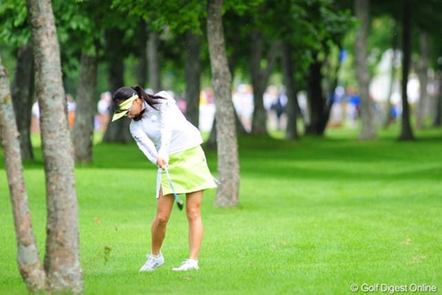 2009年 アクサレディスゴルフトーナメント初日 東尾理子 祝!アンダーパー・フィニッシュ!!林の中からリカバリーや~!
