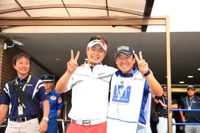 2016年 日本ゴルフツアー選手権 森ビルカップ Shishido Hills 最終日 塚田陽亮&梅原キャディ 今週頭に「優勝しようぜ!」って言ってたのが本当になったね。すごい!