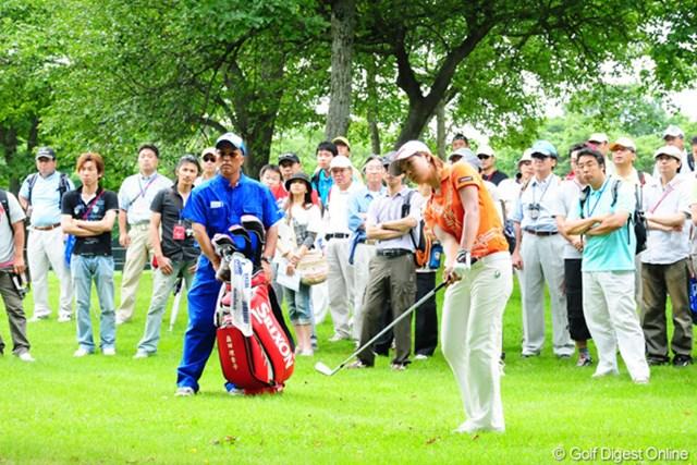 2009年 アクサレディスゴルフトーナメント最終日 森田理香子 14番、ナイスボギーで切り抜けたが、ここで1打落としたのは痛かった森田理香子
