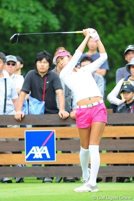 2009年 アクサレディスゴルフトーナメント最終日 金田久美子 おお~~っと、これぞギャルファーの鏡!ナイスファッション!