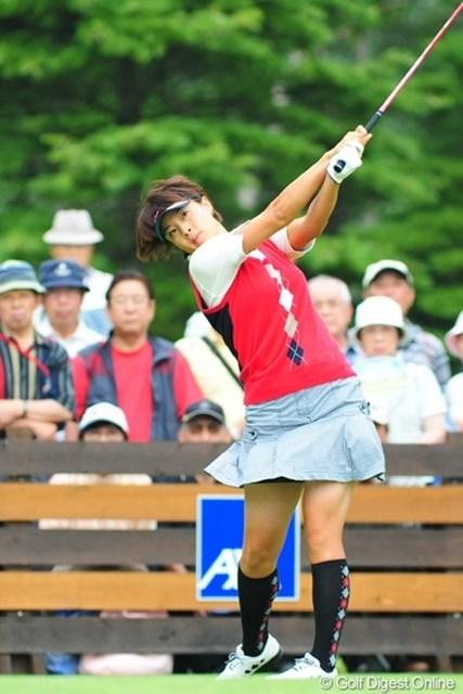 2009年 アクサレディスゴルフトーナメント最終日 下村真由美 シモマユちゃんが気合のミニスカ!しかも乙女チックなスカートやないか!何が貴女をそうさせたのか・・・
