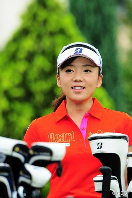 2016年 サントリーレディスオープンゴルフトーナメント 初日 有村智恵 さすがはチエゾー先生。国内専念を宣言してから初の試合で堂々の3位タイ発進です。