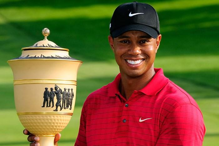 貫禄の勝利!タイガーが2連勝で今年最後のメジャーに挑む(Sam Greenwood/Getty Images) 2009年 WGCブリヂストンインビテーショナル 最終日 タイガー・ウッズ