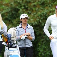 一昨年の全英リコー女子オープン優勝者は、大きな二人に挟まれながら奮闘プレー中 2016年 KPMG女子PGA選手権 初日 モー・マーティン