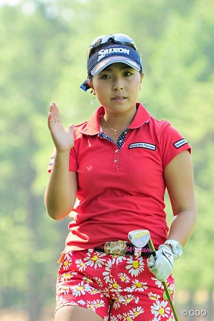 2016年 サントリーレディスオープンゴルフトーナメント 2日目 青木瀬令奈 友人の美穂ちゃんも予選通過して、あしたはけっこう近い組でラウンドすることになりそうやん!13位T