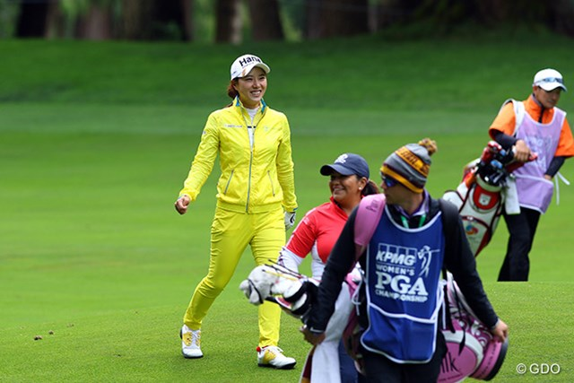 2016年 KPMG女子PGA選手権 3日目 パク・ヒヨン レインギアはこれぐらい目立つ方が気持ちイイ!