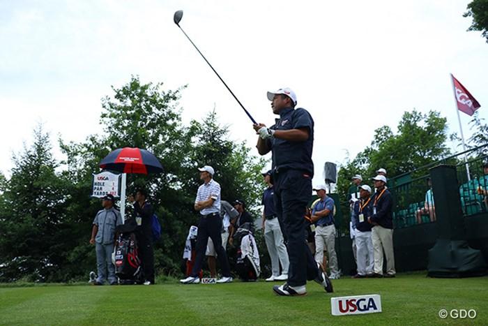小雨が降る8時30分から2012年大会優勝のウェブ・シンプソンらと練習ラウンドをスタートした 2016年 全米オープン 事前 池田勇太