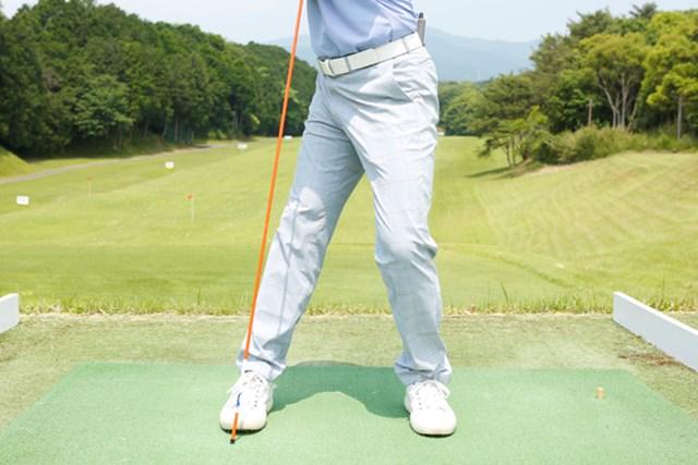 肩の回転が90度より深いと、インサイドアウトの軌道になります