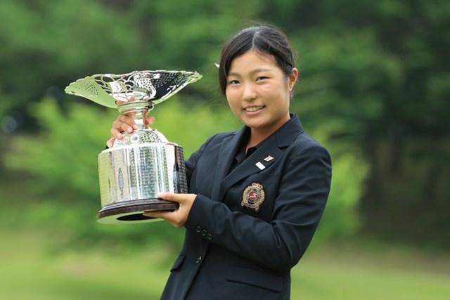 通算12アンダーで逆転優勝を飾った高橋彩華(画像提供:日本ゴルフ協会)