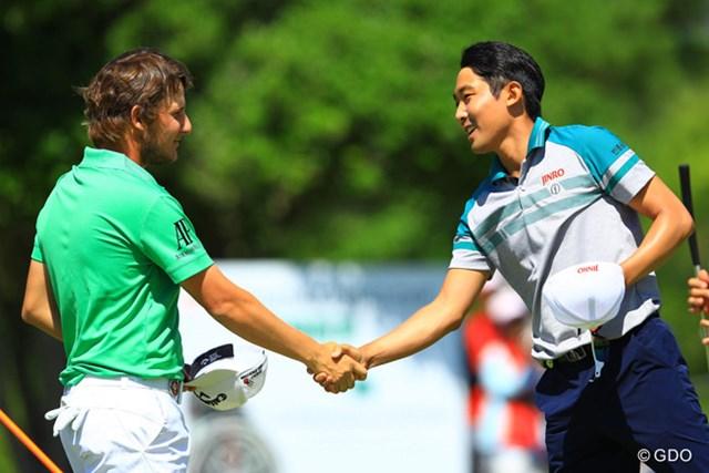2016年 ISPSハンダグローバルカップ 最終日 エミリアーノ・グリージョ、朴ジュンウォン プレーオフを戦い終えた2人。お互いの健闘を称えます。