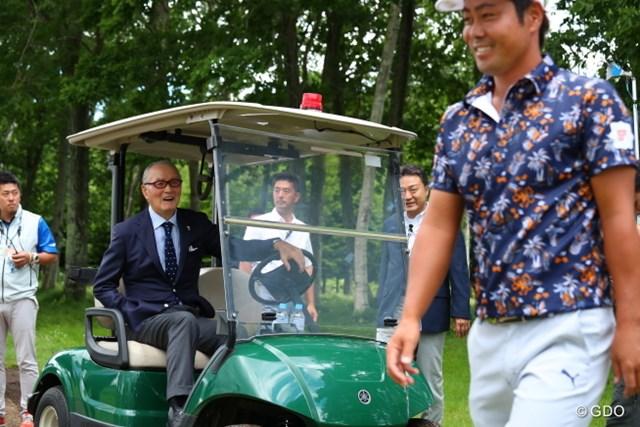 長嶋茂雄氏がエールを送った。谷原秀人は続くホールで勝負を決めるバーディを奪取した
