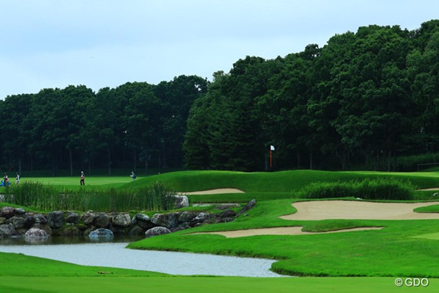 美しいものにはトゲがあるって言葉は、ゴルフにも当てはまるんですかね?