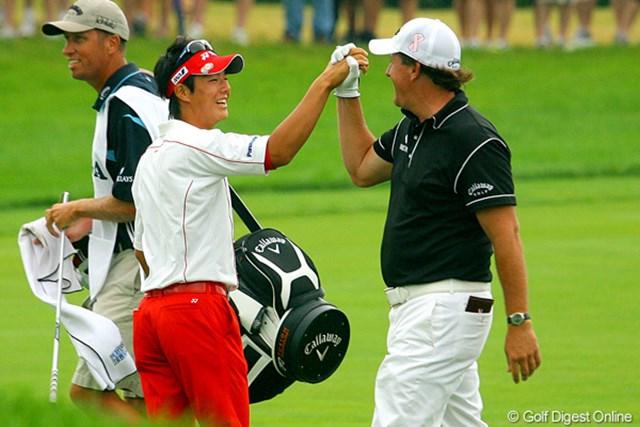 2009年 全米プロゴルフ選手権最終日 石川遼 スタートホールでP.ミケルソンが残り200ヤードを直接沈め、石川遼も興奮気味
