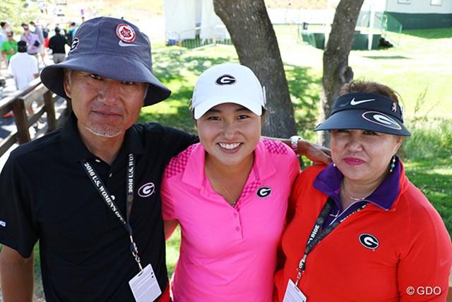 東京五輪を目指す光永輪子(中央)と両親