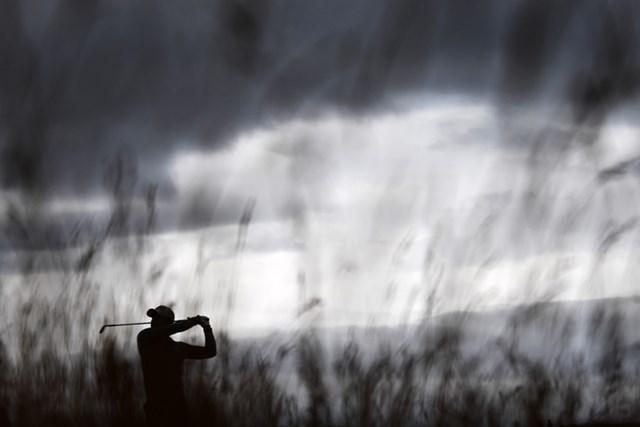 第145回の全英オープン会場となるロイヤル・トルーンでショットを放つ小平智(Stuart Franklin/Getty Images)