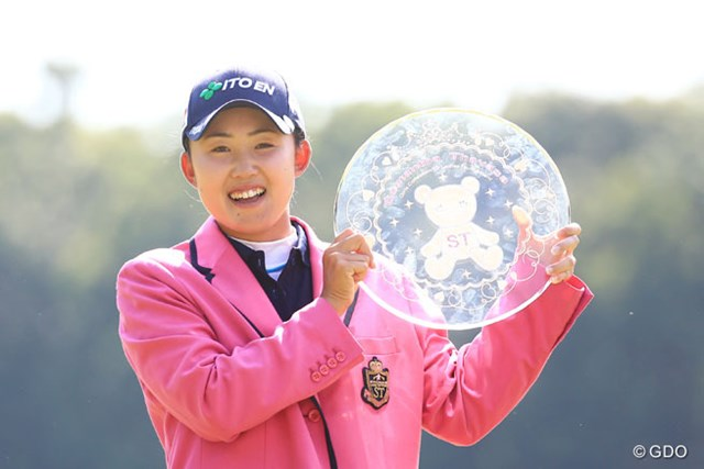 2016年 サマンサタバサ ガールズコレクション・レディーストーナメント 事前 前田陽子 昨年は3位から出た前田陽子が逆転し、ツアー2勝目を挙げた。