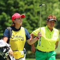 約1年ぶりに前田久仁子(写真左)とコンビ再結成。表純子は夫不在の一戦で優勝争いに加わった 2016年 センチュリー21レディスゴルフトーナメント 2日目 表純子 前田久仁子