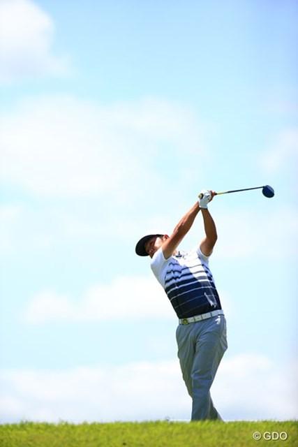 2016年 ダンロップ・スリクソン福島オープンゴルフトーナメント 最終日 時松隆光 空抜けで撮れた9番ティショット、青空になってよかったわ