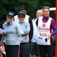 あれ?ベス・アレンのキャディ、ソフィー・グスタフンソンですよね? 2016年 全英リコー女子オープン 初日 キャディ ソフィー・グスタフソン