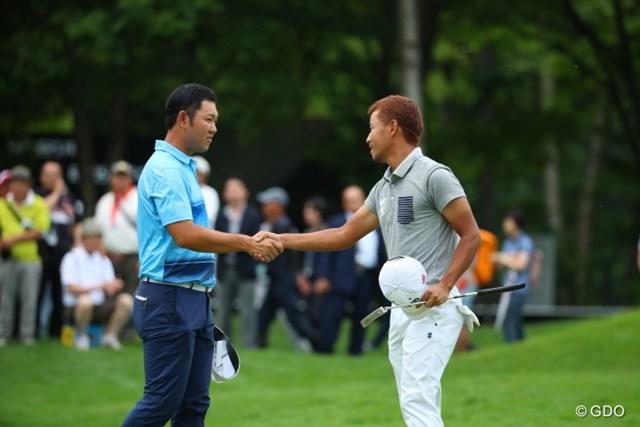 2016年 ネスレインビテーショナル 日本プロゴルフマッチプレー選手権 レクサス杯 初日 小平智 薗田峻輔 同年代対決を制したのは小平智(右)。最終ホールでバーディを奪い熱戦を制した