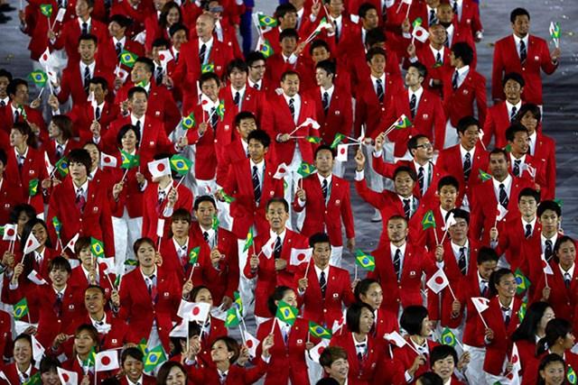 日本のゴルフ代表では片山晋呉が唯一開会式に参加した。ど~こだ?(Paul Gilham/Getty Images)
