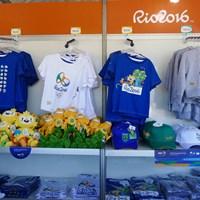 ゴルフ場で売られているのはこんなグッズ。ゴルフ場のみというのは、キーホルダーなど一部 2016年 リオデジャネイロ五輪 2日目 グッズ