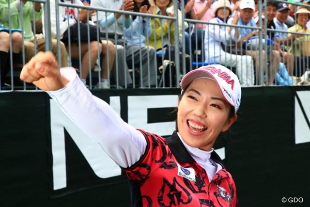 2016年 NEC軽井沢72ゴルフトーナメント 最終日 笠りつ子 今季初優勝を挙げた笠りつ子。優勝インタビューでは声を詰まらせながらも喜びを爆発させた