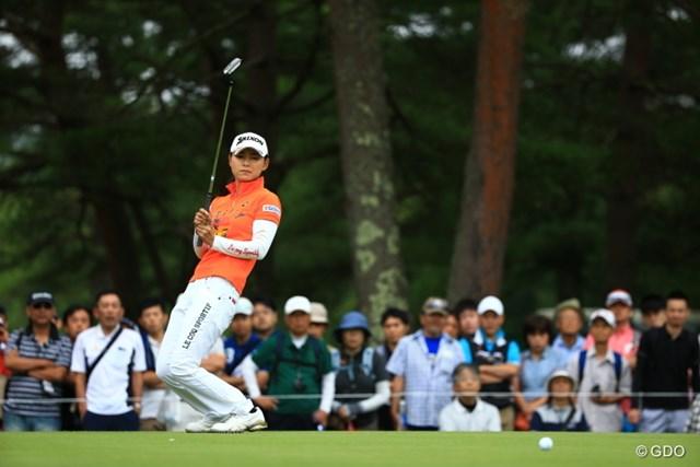 2016年 NEC軽井沢72ゴルフトーナメント 最終日 横峯さくら 最終日も多くのギャラリーに見守られてのプレーとなった横峯さくら