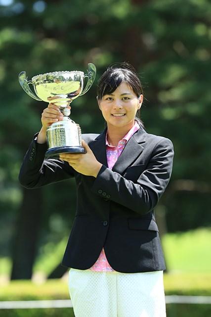 プロツアーでも活躍する新垣比菜が初の日本ジュニアのタイトルを獲得した※日本ゴルフ協会提供