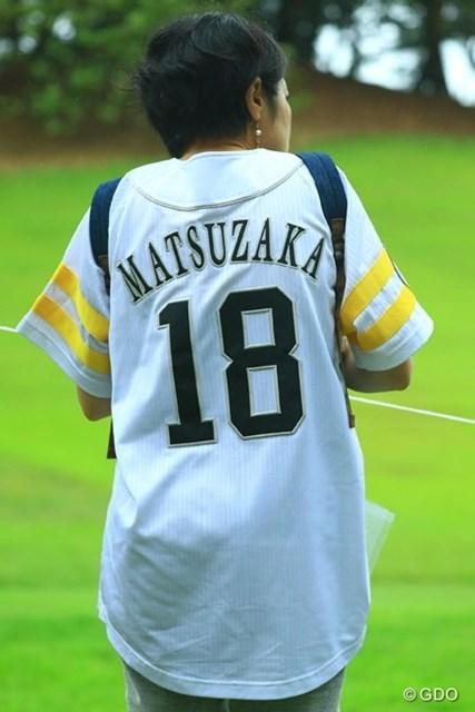 女性の方限定で、ソフトバンクホークスやアビスパ福岡などのユニフォームを着て来場すると、入場料が無料に。