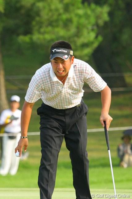 「やらかした!」という顔ではなく、上がり3ホールをバーディで終え「疲れた」という表情の池田勇太