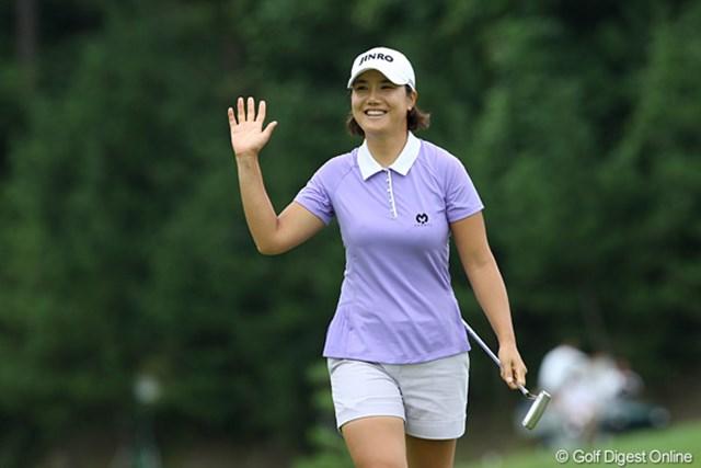 2009年 ヨネックスレディスゴルフトーナメント最終日 全美貞 日本でもファンの多い全美貞。やはりギャラリーの声援は力になります!