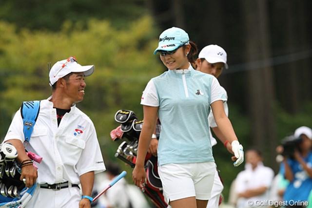 2009年 ヨネックスレディスゴルフトーナメント最終日 藤田幸希 5バーディー、ボギーなしの3位タイで会話もはずむ