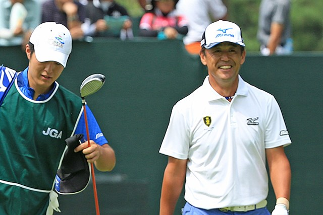 2016年 日本シニアオープンゴルフ選手権競技 3日目 鈴木亨 シニア1年目でメジャー制覇のチャンスをつかんだ鈴木亨 ※写真提供:日本ゴルフ協会