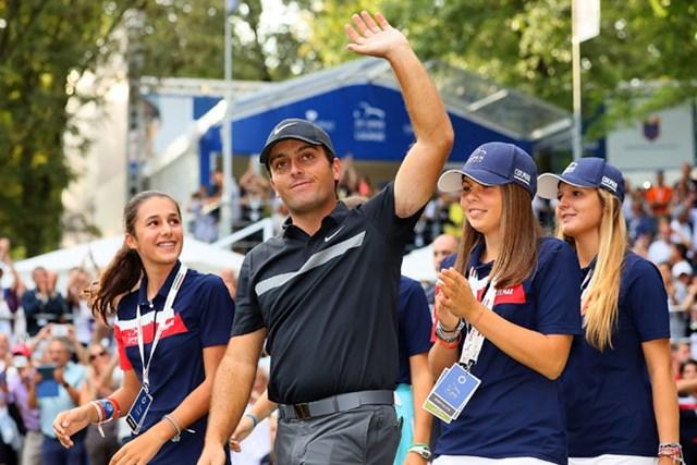 母国のナショナルオープンを制覇。モリナリの優勝で会場は総立ちになった(Andrew Redington/Getty Images))
