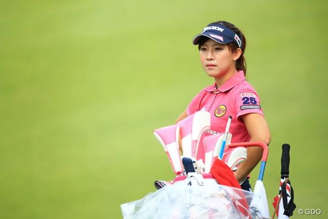香妻琴乃が国内女子ツアーで初めて首位発進を決めた